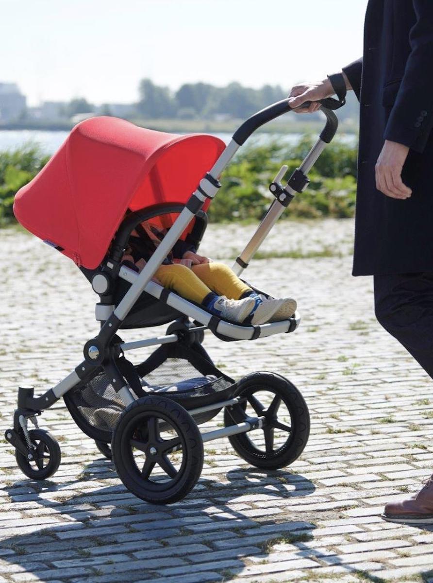 bugaboo fox poussette capote rouge pratique confortable pour bébé - blog déco - clematc