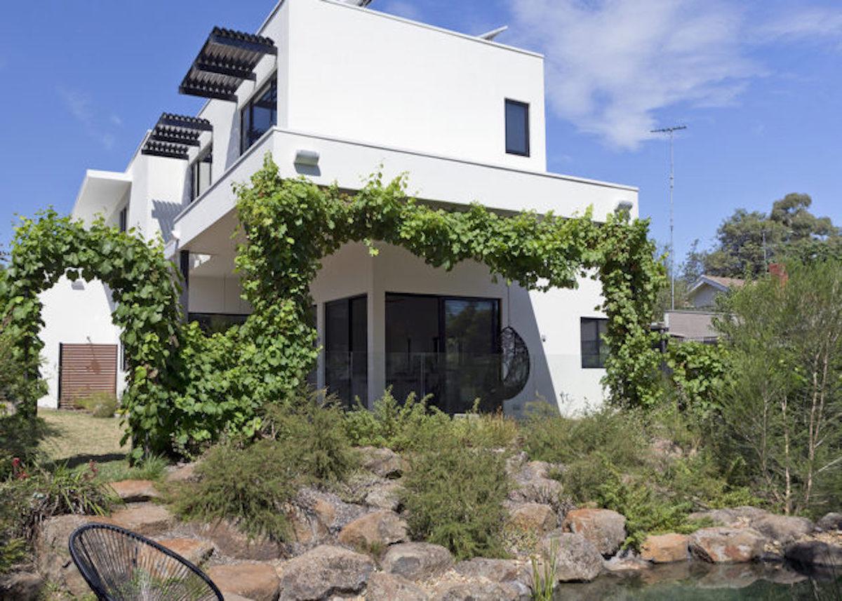 maison green autonome écoresponsable en australie - blog déco - clemaroundthecorner