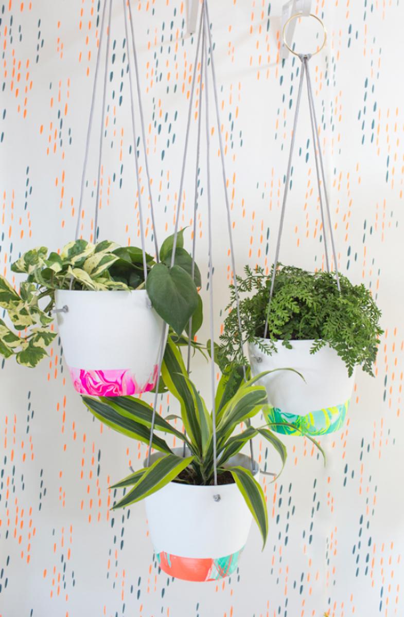 diy tuto avec du vernis à ongle pot de fleur plantes vertes déco décoration intérieure clematc