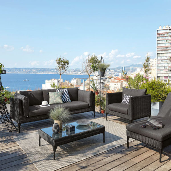 tous au jardin avec maisons du monde salon extérieur noir terrasse bois - blog déco - clemaroundthecorner