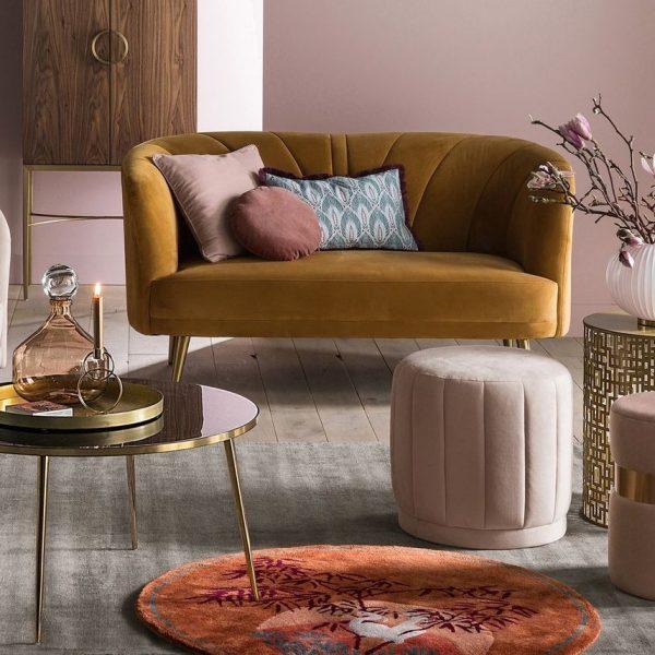 comment nettoyer du velours salon tons blush tapis asiatique art déco laiton - blog déco - clem around the corner