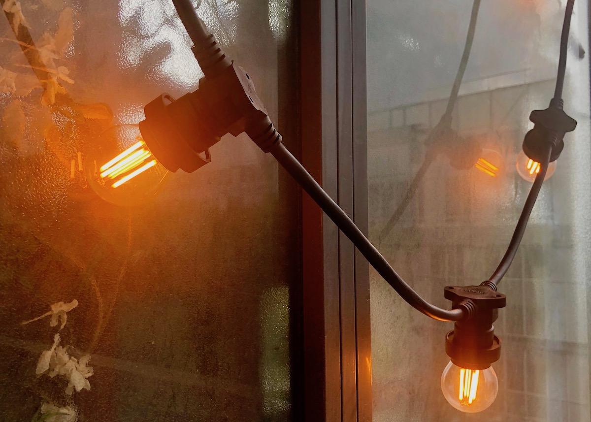 Comment Fixer Guirlande Exterieur j'éclaire mon balcon avec xanlite - clem around the corner