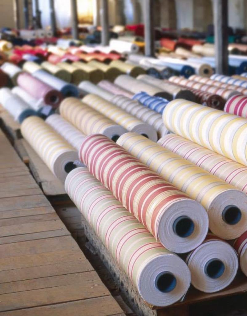 rouleau de tissu manufacture situe en francemayenne - blog déco - clemaroundthecorner