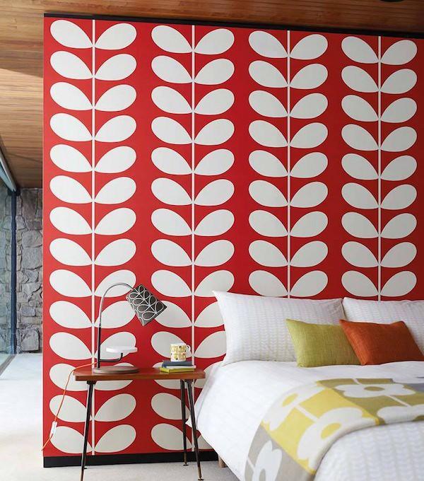 tapisserie 70s blanche rouge flower power orla kiely