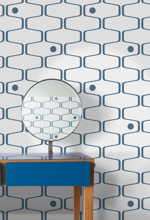 papier peint des années 70 art déco motif geometrique bleu blanc salon