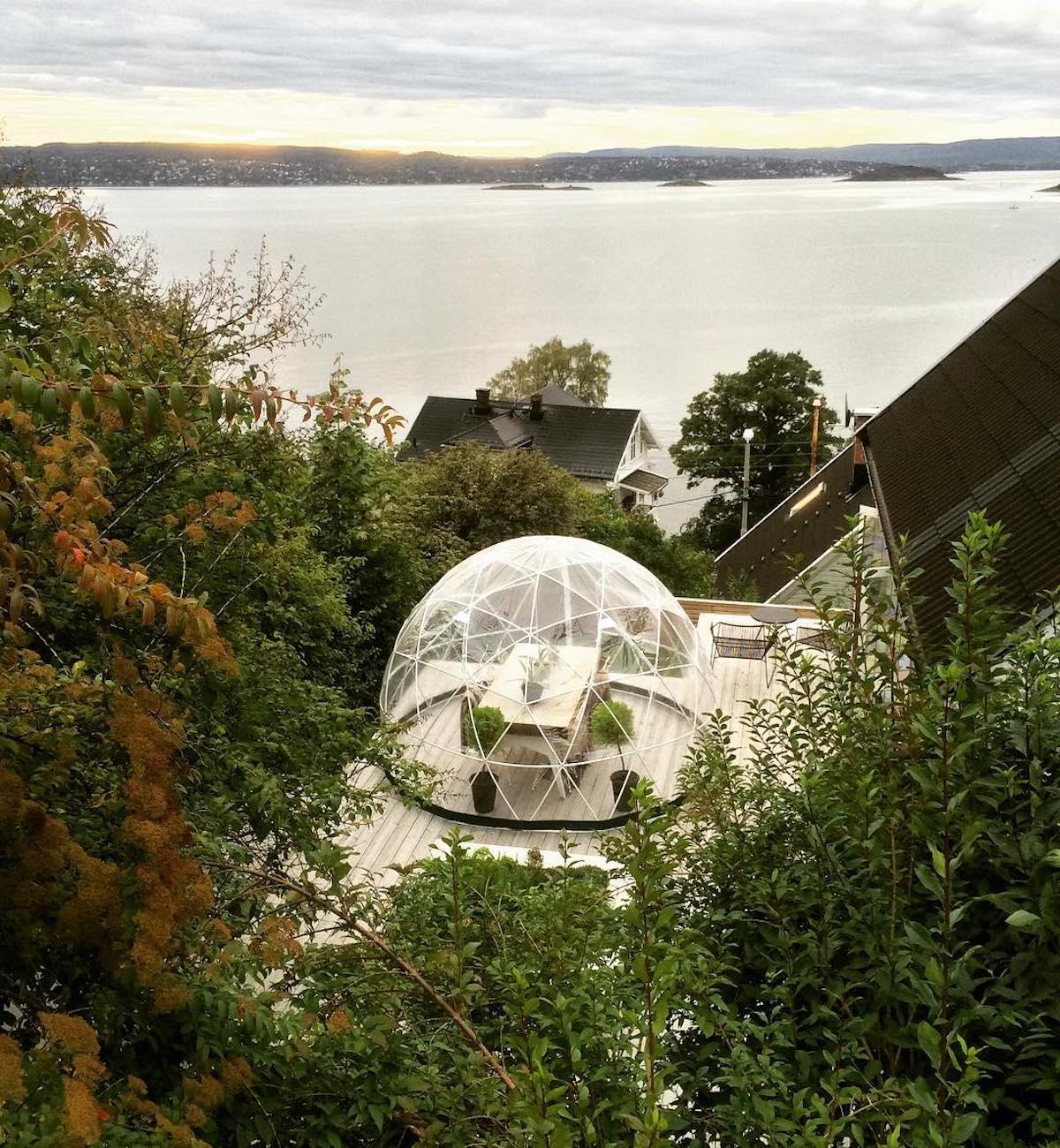 garden igloo terrasse montagne vue sur lac profiter de son extérieur hiver - clemaroundthecorner