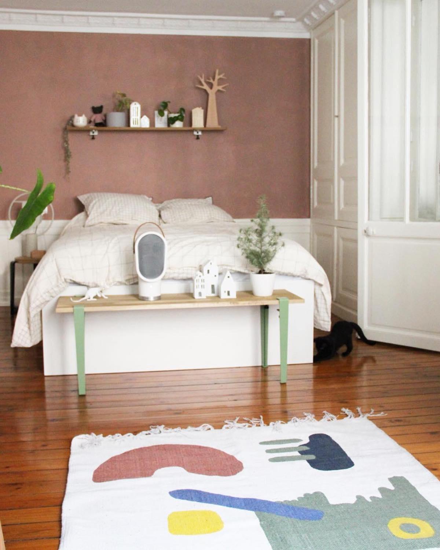 chambre lit blanc banc pieds tiptoe vert mint enceinte habitat chatton noir - blog déco - clematc