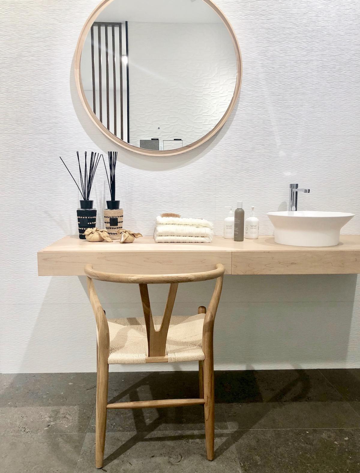 salle de bain coiffeuse hygge slow living scandinave minimaliste - clemaroundthecorner