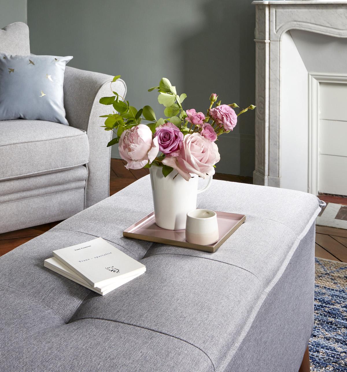 nouvelle collection but salon cosy gris bouquet champetre pivoine