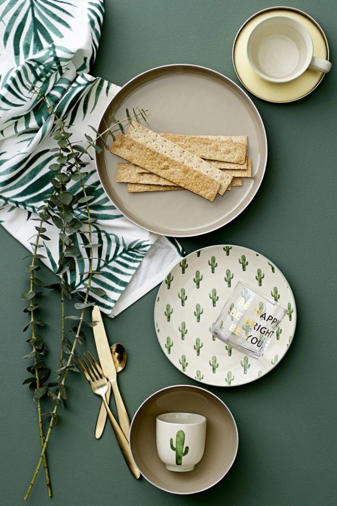 vaisselle exotique vert blanc déco table nature