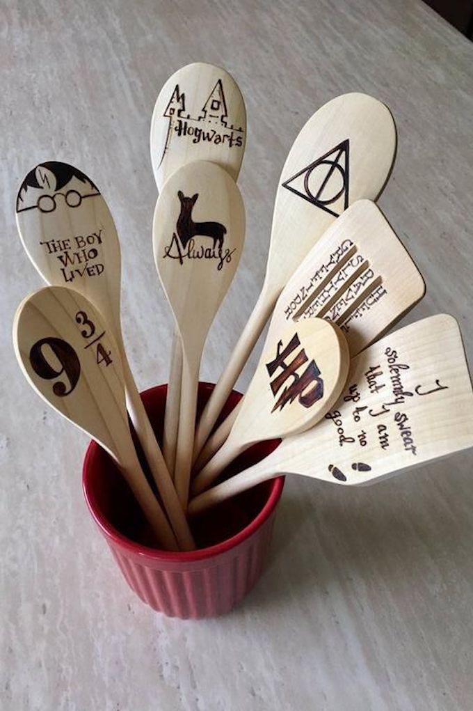déco harry potter cuillères en bois cuisine accessoire ustensile - blog déco - clem around the corner