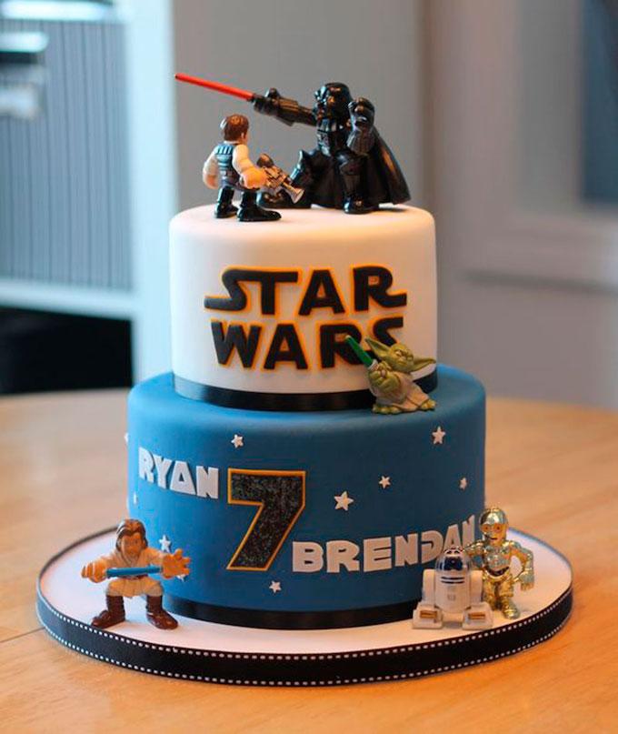 anniversaire thème star wars jedi gâteau pâte à sucre bleu blanc noir - blog déco - clem around the corner
