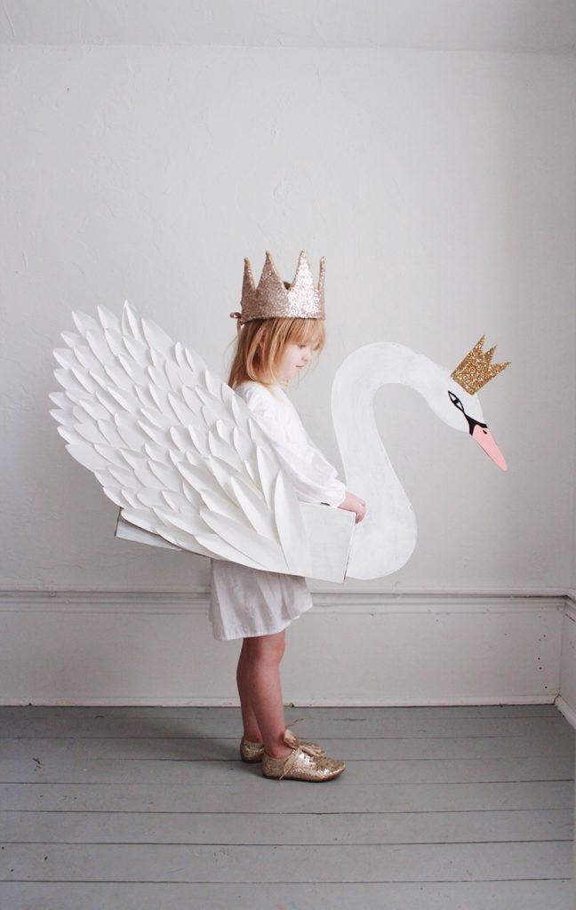 déguisement diy enfant cygne blanc princesse petite fille - blog déco - clem around the corner