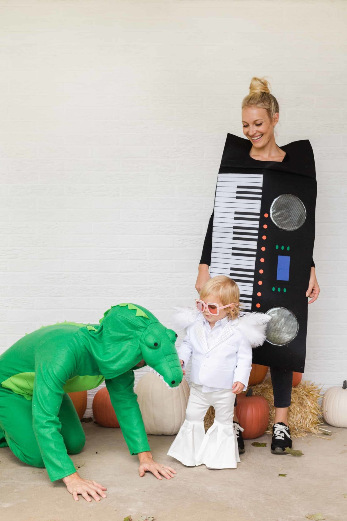 déguisement diy idée costume diy déguisement famille enfant parent crocodile costume piano ange chanteur - blog déco - clem around the corner