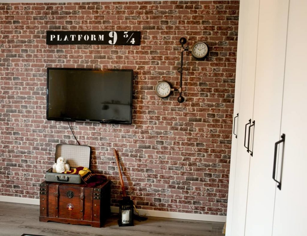 salon déco harry potter original mur briques plateforme 9 3/4