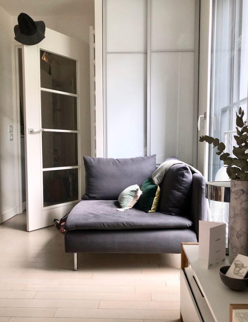 coin salon angle canapé design scandinave studio bien agencé - clematc