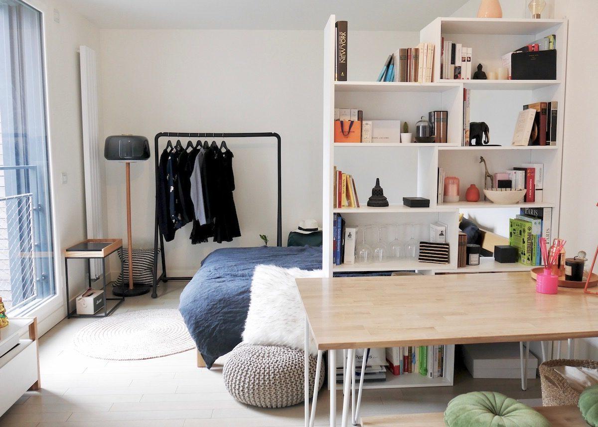 studio bien agencé séparation espace lit bibliothèque paris Montmartre