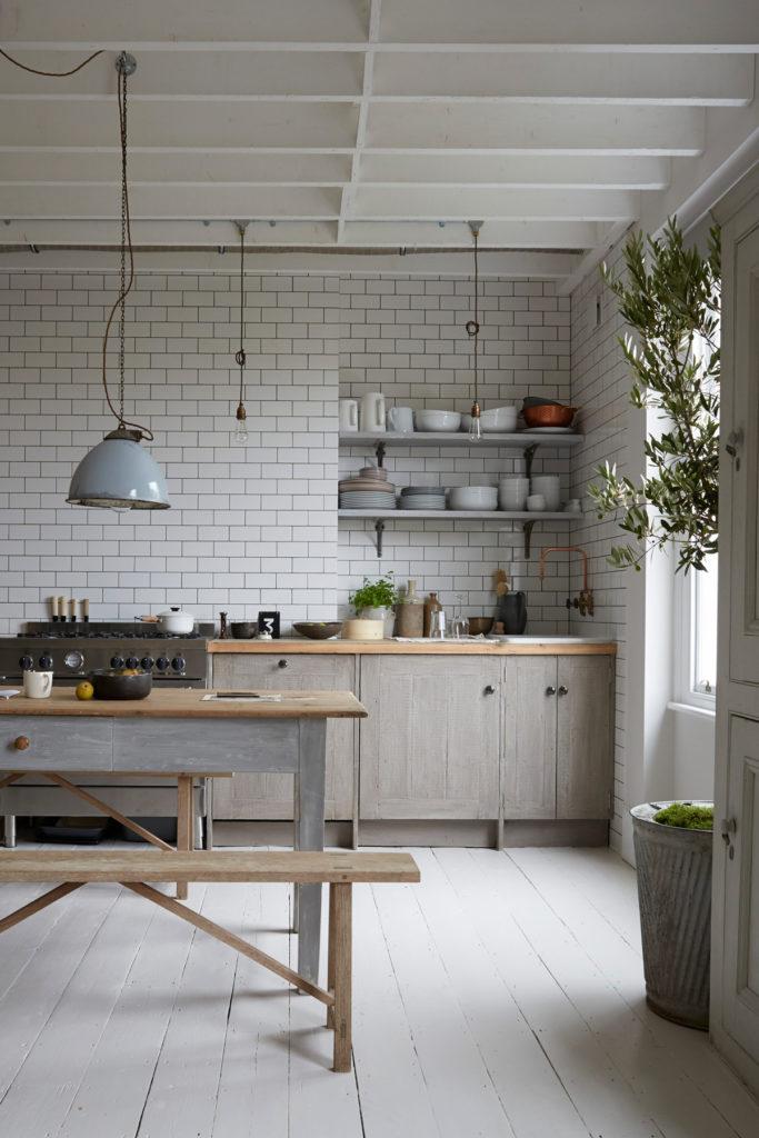 cuisine campagne originale déco mélange moderne rustique industriel clem around the corner