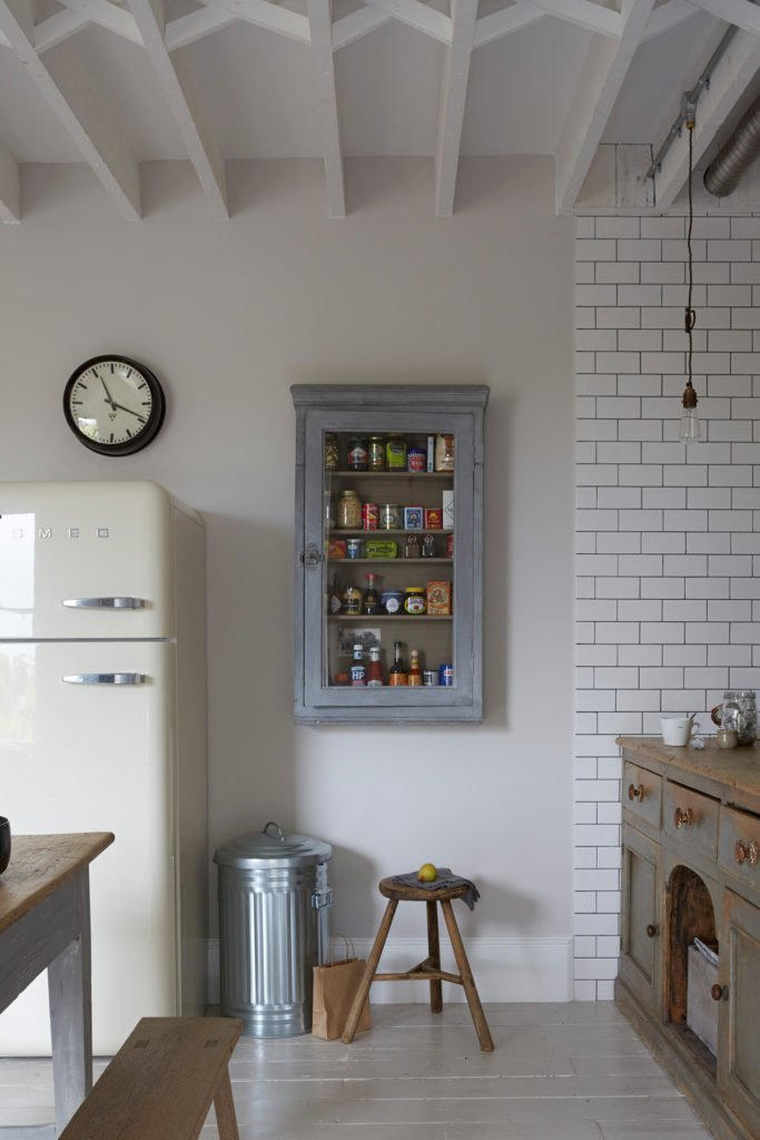 meuble vitrine mural chiné brocante range épice vintage clematc