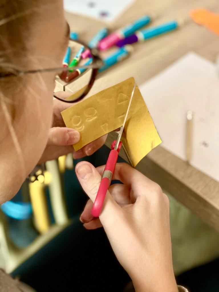 découpage feutrine autocollante activité bricolage élève école primaire