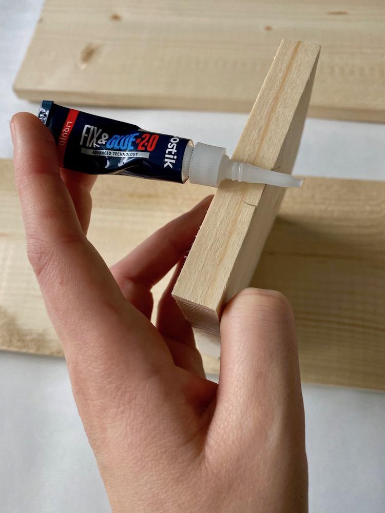 colle fix and glue test bois - blog décoration - clem around the corner