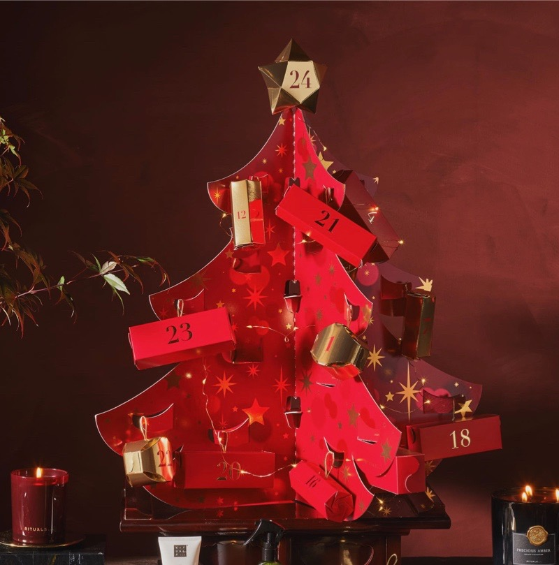 décoration de noel sapin papier rouge guirlande lumineuse diy