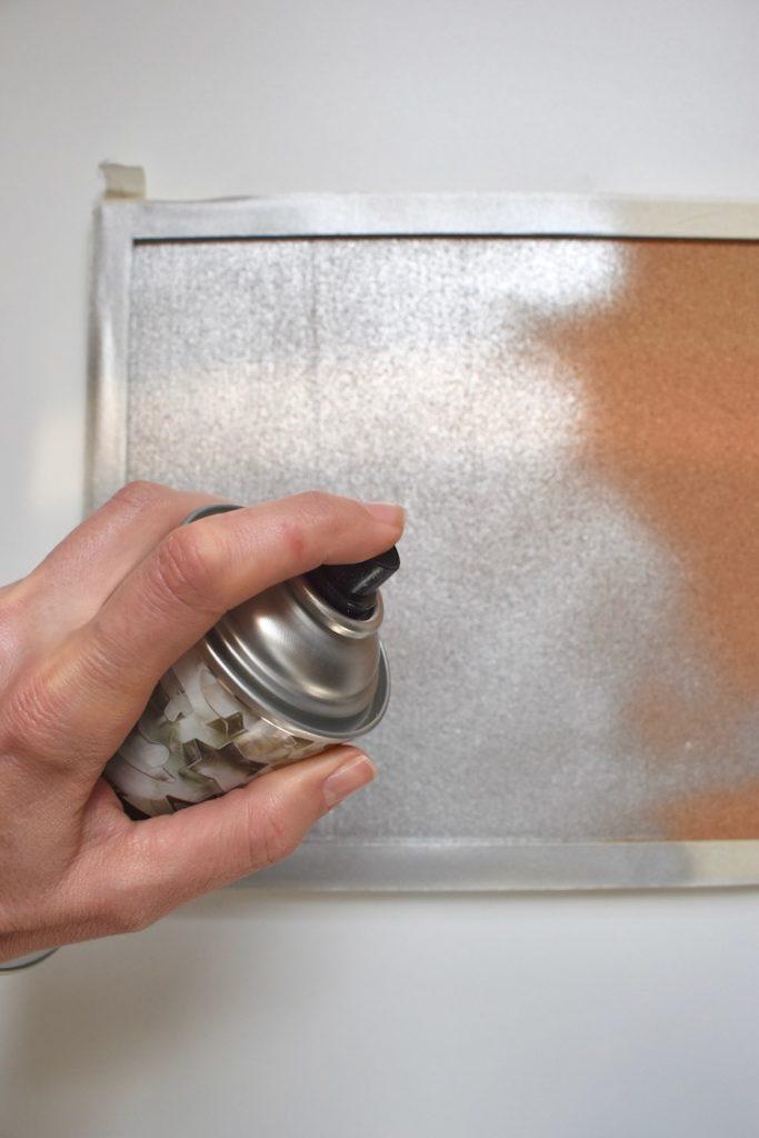 test bombe aerosol peinture liège argenté decoration