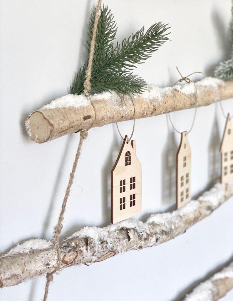 décorer ses murs sans percer ornement décoration sapin maisonnette scandinave maison en bois diy