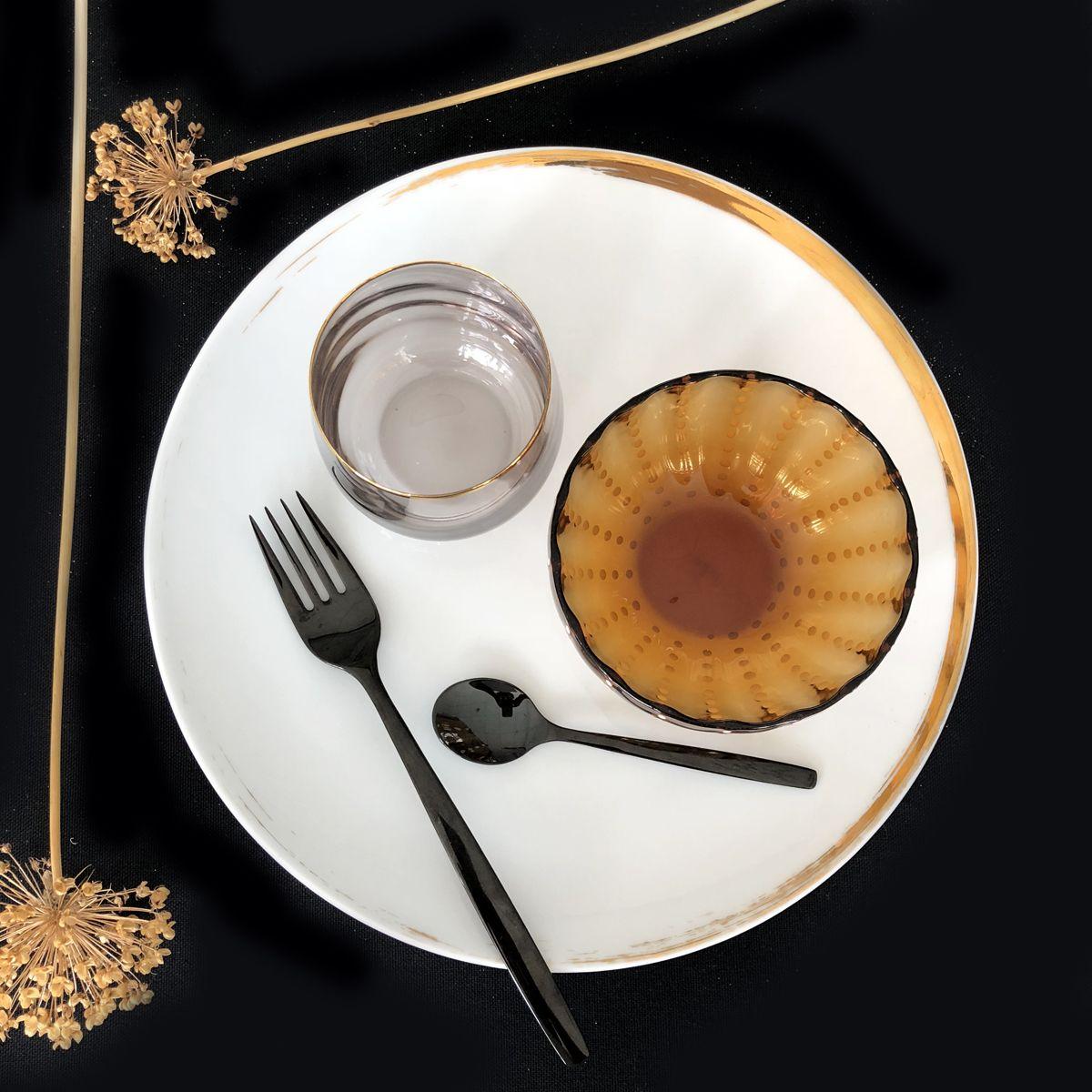 assiette ronde porcelaine feuilles séchées