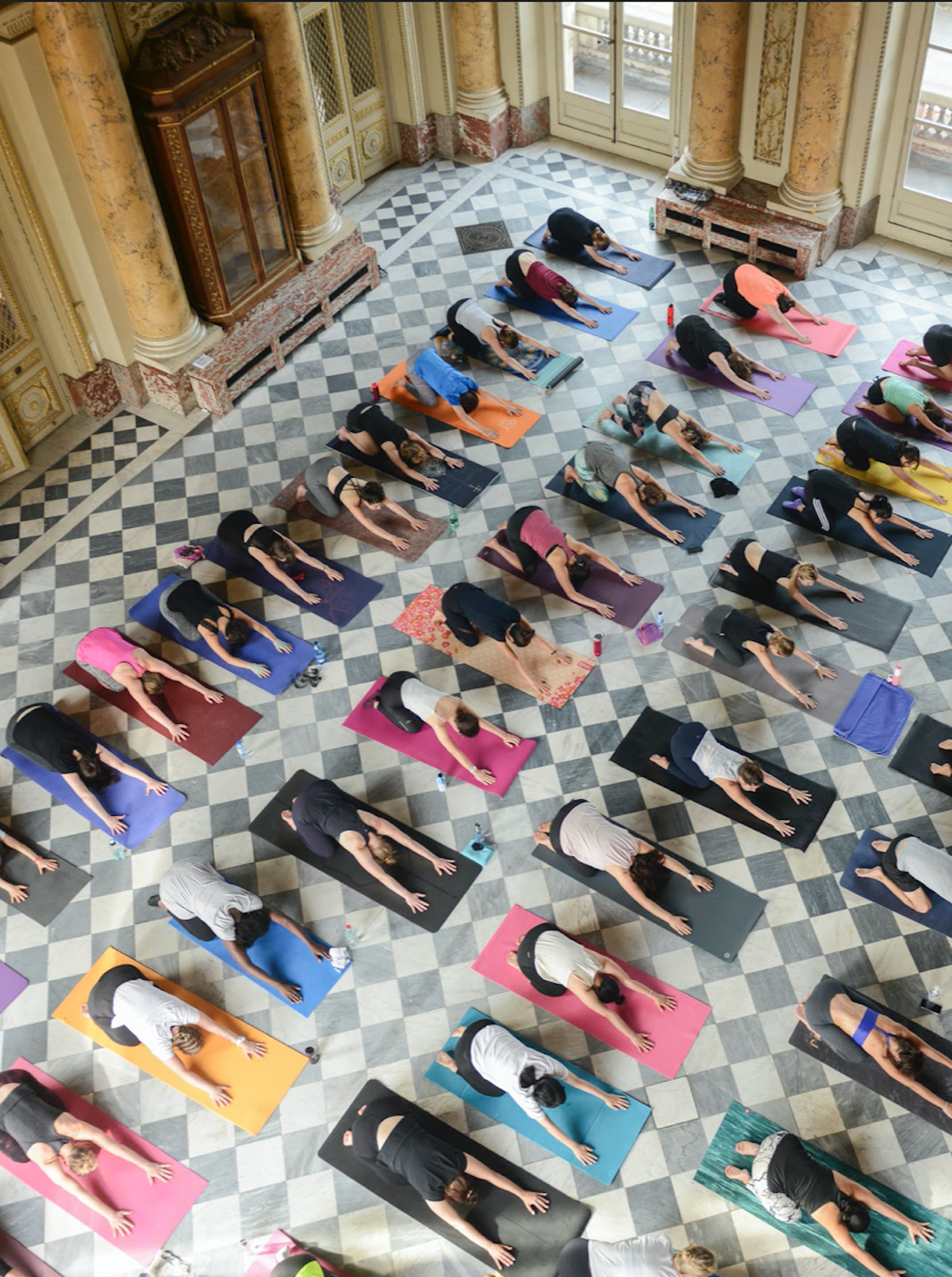 Oly Be Paris Asanas Cours Collectif détente vinyasa iyengar hatha