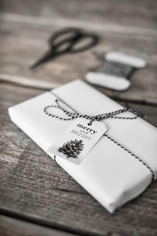idée emballage cadeau noël noir et blanc design luxe chic