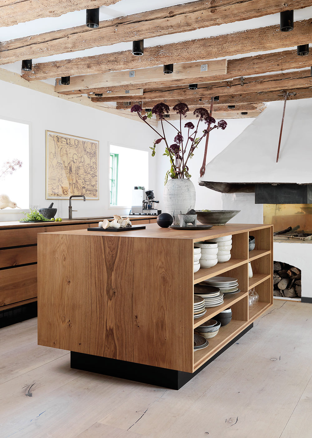 déco intérieure bois naturel cuisine ouverte rustique raffinée sophistiquée