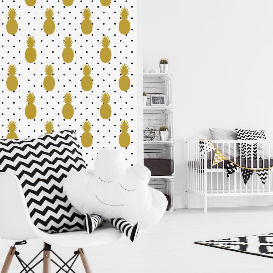 chambre enfant noir blanc jaune accessoire déco poétique coussin nuage papier peint ananas chaise scandinave