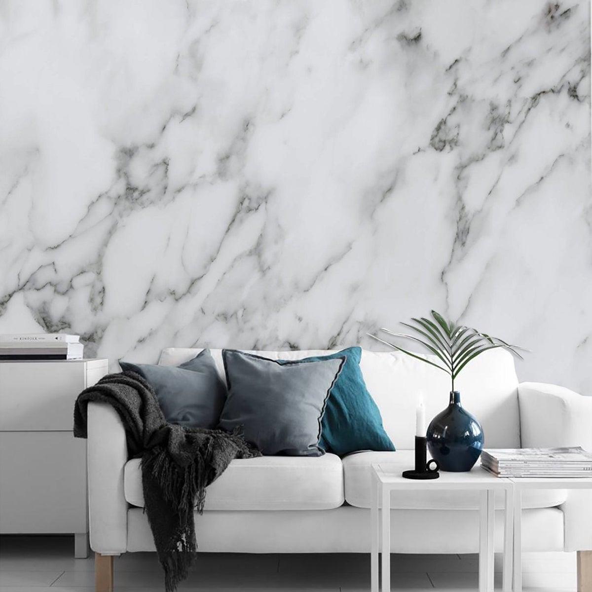 salon lumineux épuré revêtement mural marbre blanc déco nordique