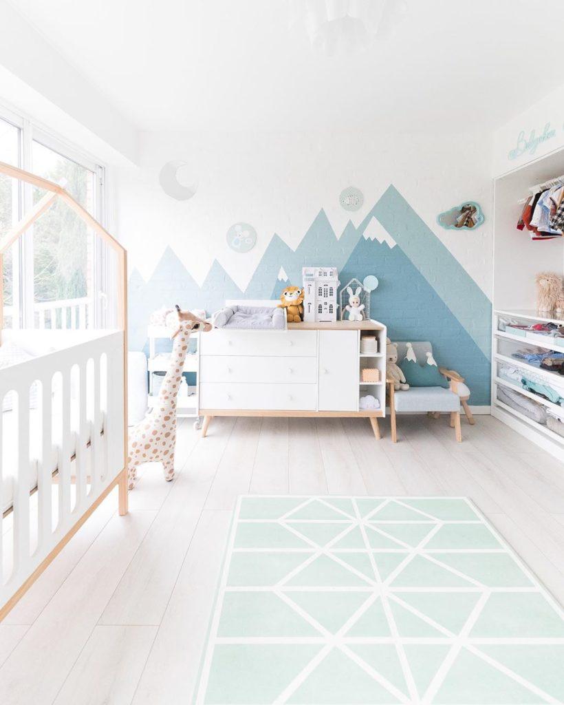 chambre bébé enfant scandinave peinture bleu vert eau design moderne - blog déco - clem around the corner