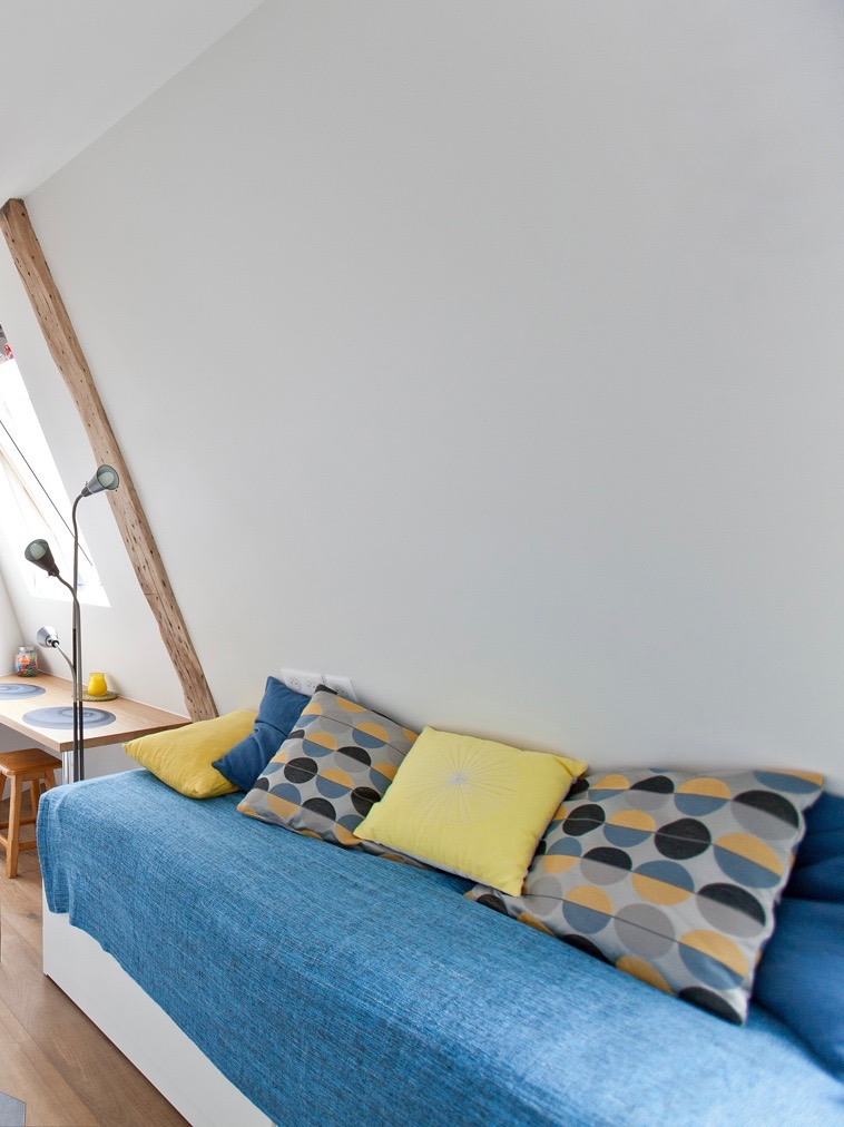 coin chambre studio étudiant sous toits combles aménagés transformer chambre bonne gain de place - blog décoration - clem around the corner