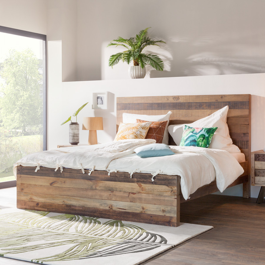 lit bois lamé massif déco exotique plante verte tapis de sol