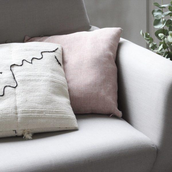 DIY coussin brodé IKEA HACK Sortso - blog déco - clem around the corner