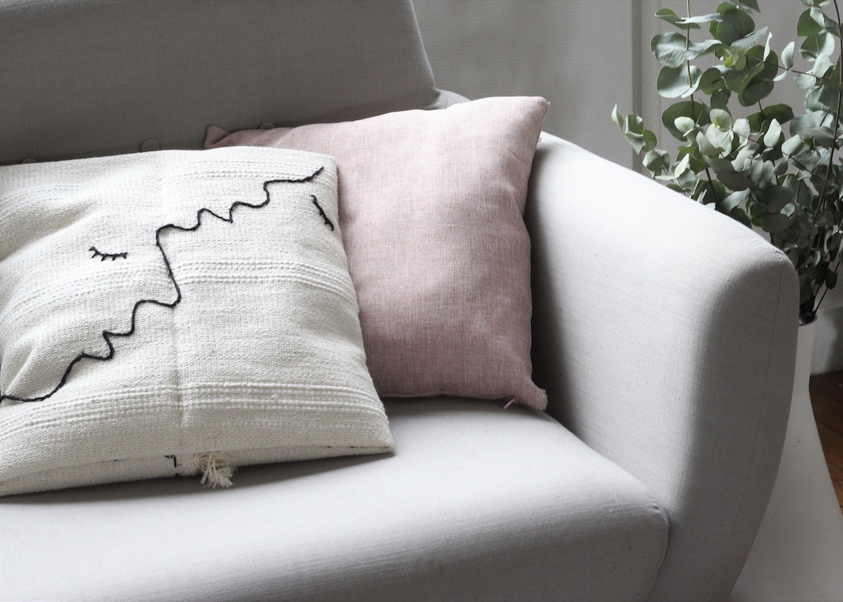 DIY coussin brodé IKEA HACK Sortso - blog déco - clem around the corner