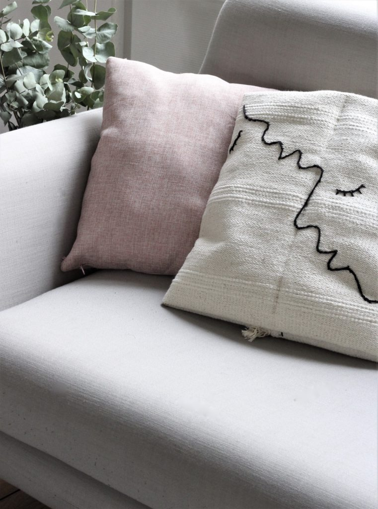DIY coussin brodé bohème one drawing line - blog déco - clem around the corner
