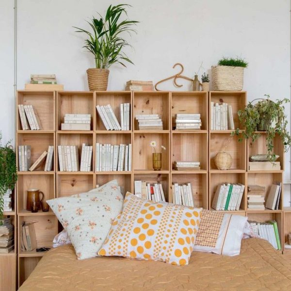 Château charentais vacances maison hôte chambre vintage bois minimaliste déco