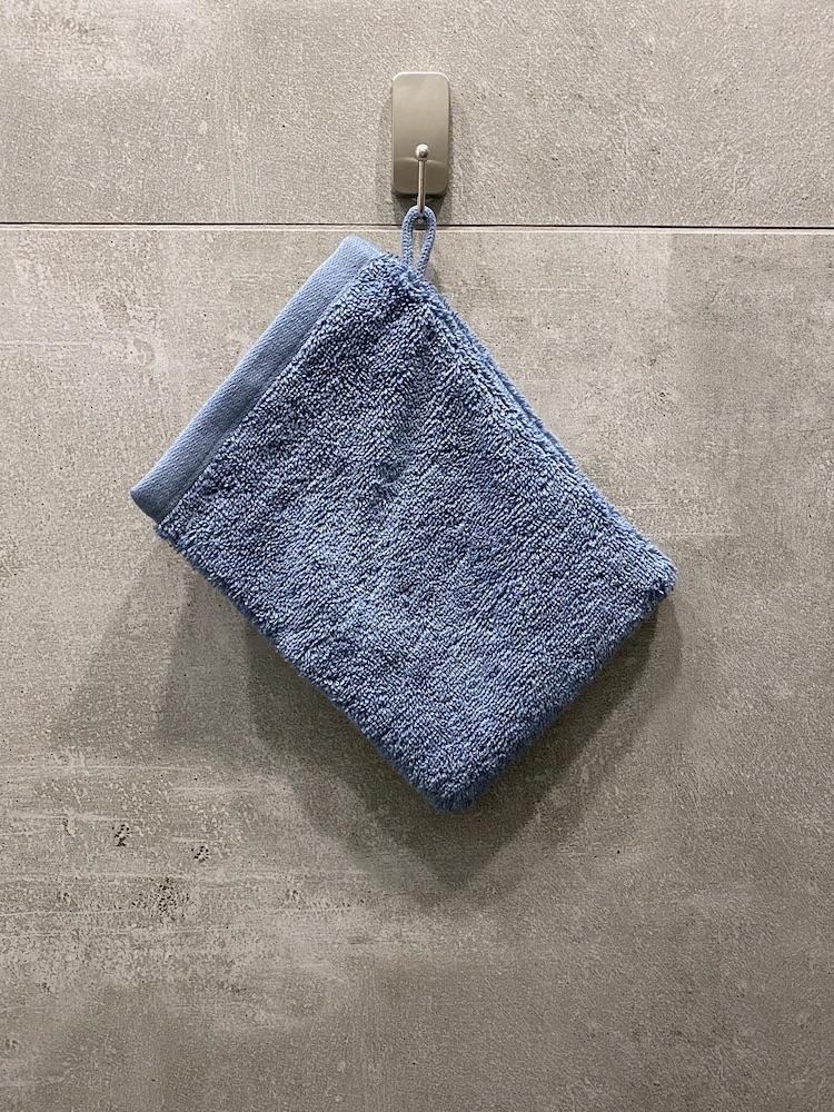 comment installer des crochets dans sa salle de bain sans percer - blog déco - clem around the corner