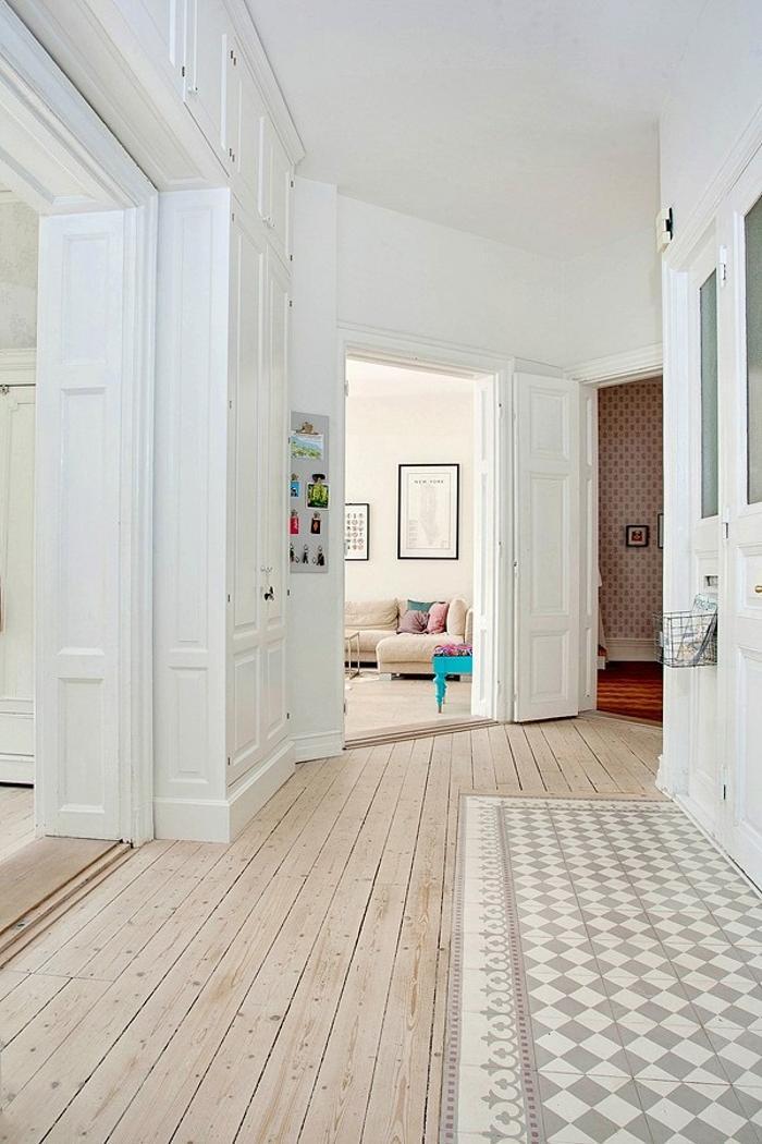 couloir déco pastel beige mixte carrelage parquet appartement moulure blog déco clematc