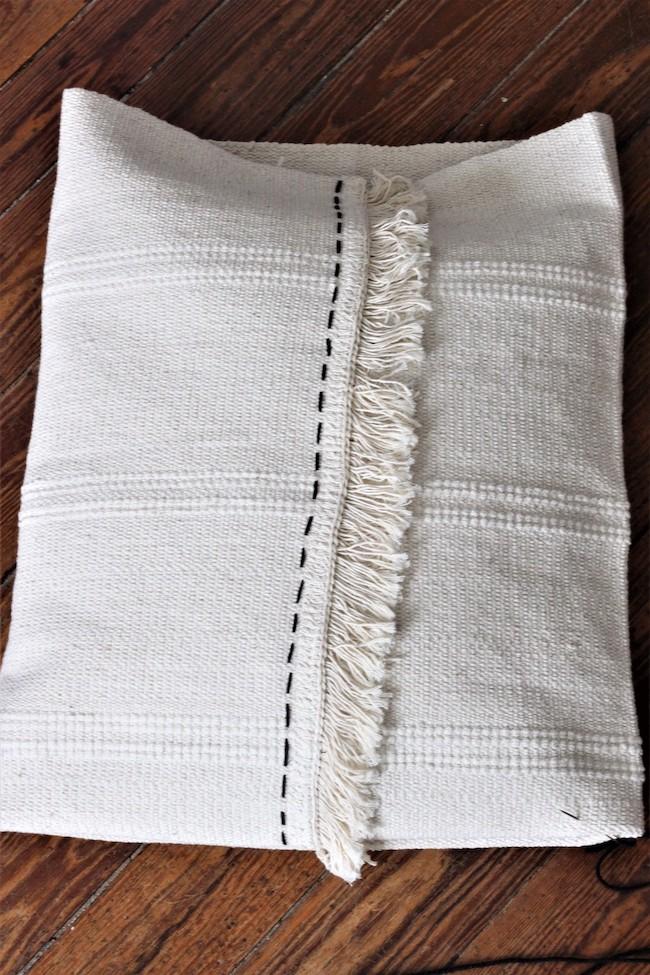 fabriquer soi-même décoration coussin brodé diy
