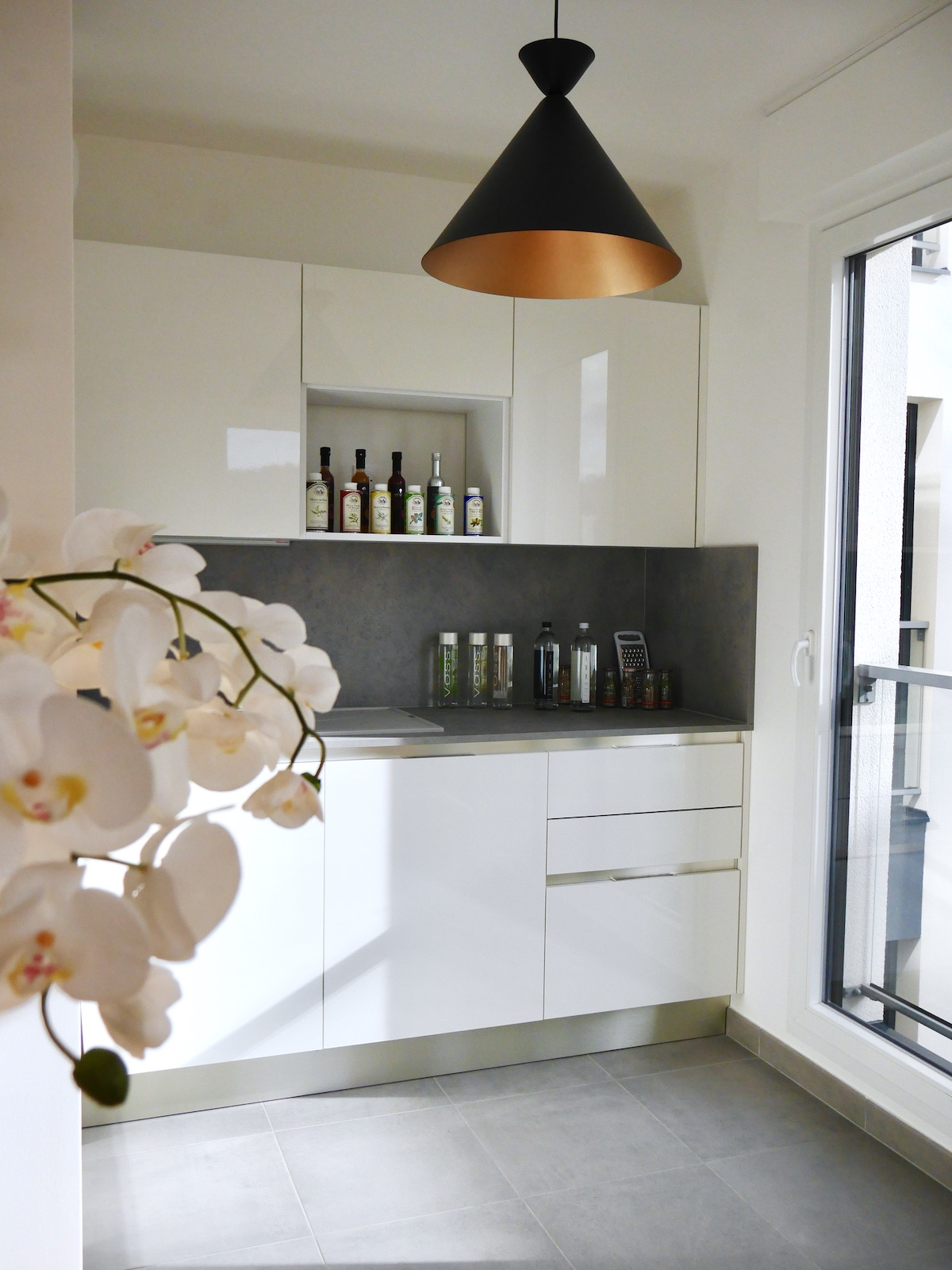 idylle agencement cuisine appartement neuf rueil blanche grise
