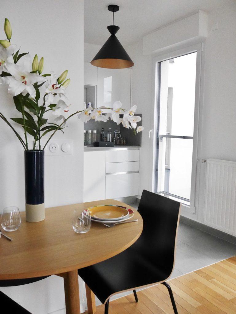 idylle installer coin repas cuisine ouverte table demi lune - blog déco - clematc