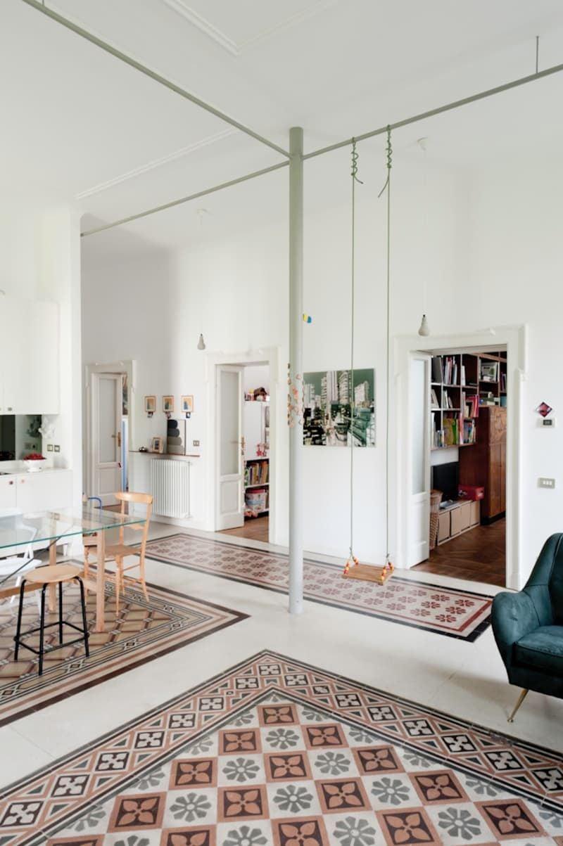 salon balançoire déco intérieure sol carrelage vintage