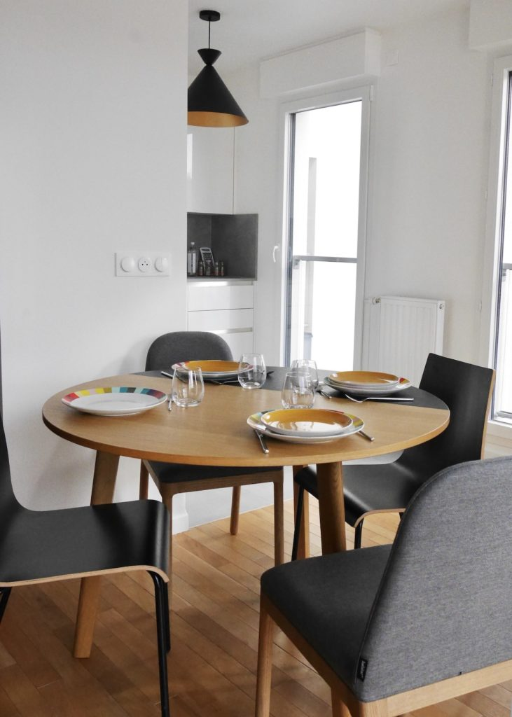 table ronde rallonge habitat appartement rueil moderne idylle