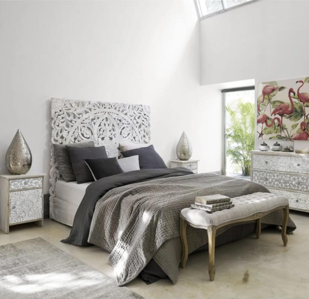vintage tête de lit bois blanc sculpté orientale arabesques blanches chambre