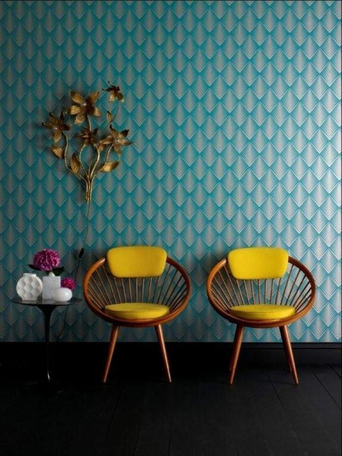 la déco bleu canard papier peint motif éventail art déco fauteuil vintage rotin jaune citron rond